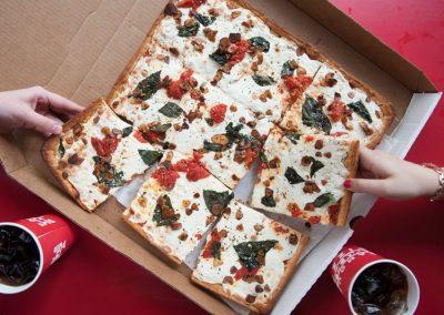 famous-amadeus-pizza-20