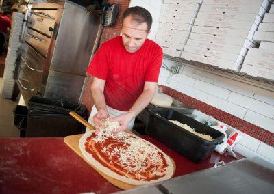 famous-amadeus-pizza-41